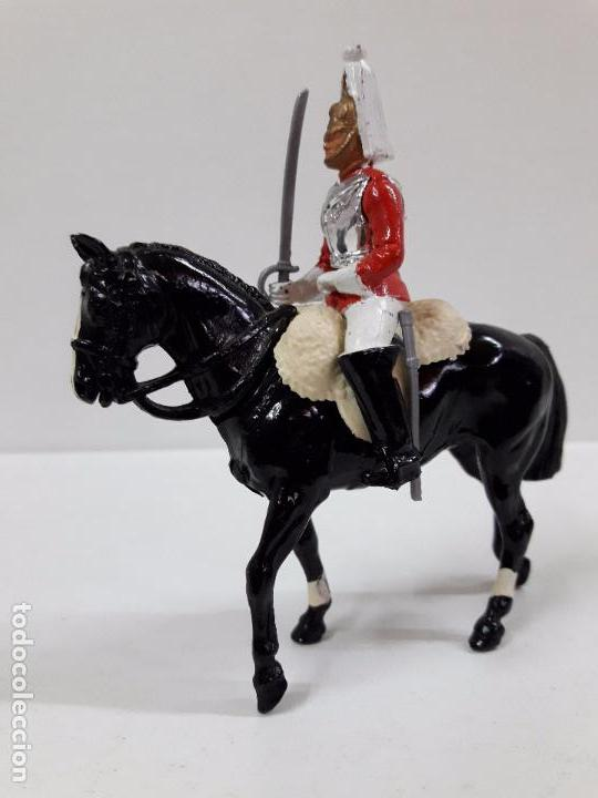 SOLDADO A CABALLO DE LA GUARDIA INGLESA . REALIZADO POR BRITAINS . (Juguetes - Figuras de Goma y Pvc - Britains)
