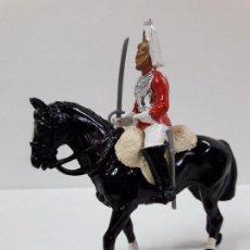 Figuras de Goma y PVC: SOLDADO A CABALLO DE LA GUARDIA INGLESA . REALIZADO POR BRITAINS .. Lote 99079139