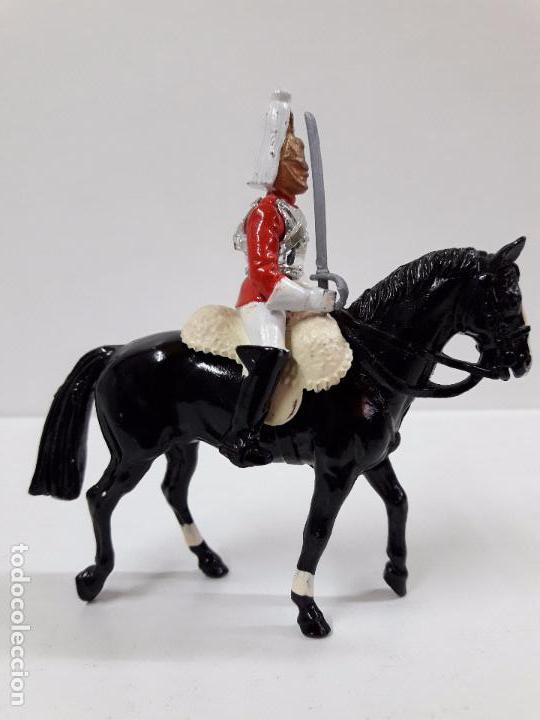 Figuras de Goma y PVC: SOLDADO A CABALLO DE LA GUARDIA INGLESA . REALIZADO POR BRITAINS . - Foto 2 - 99079139