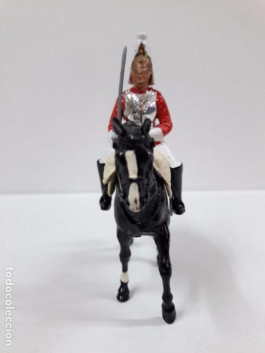 Figuras de Goma y PVC: SOLDADO A CABALLO DE LA GUARDIA INGLESA . REALIZADO POR BRITAINS . - Foto 3 - 99079139
