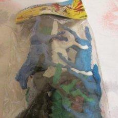 Figuras de Goma y PVC: DOS BOLSAS CON CABALLOS INDIOS Y VAQUEROS . Lote 99101691