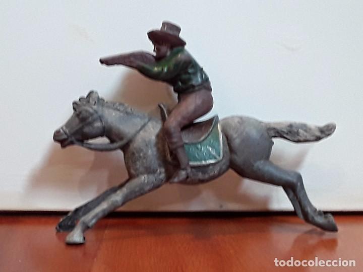 Figuras de Goma y PVC: VAQUERO CON CABALLO DEL OESTE GOMA HERMANOS PECH AÑOS 50 - Foto 2 - 99352467