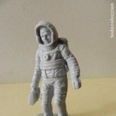 Figuras de Goma y PVC: FIGURA PVC ASTRONAUTA ESPACIO HOMBRE CON TRAJE ESPACIAL. Lote 99352591