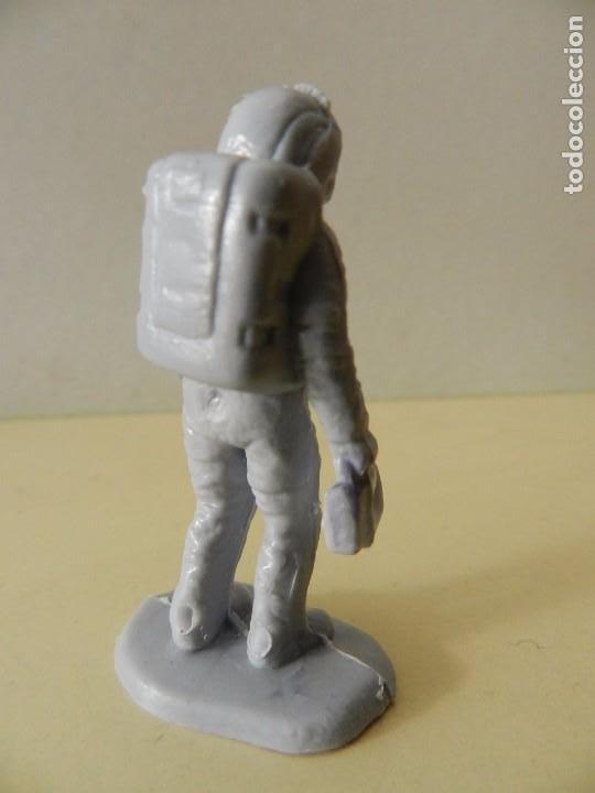 Figuras de Goma y PVC: Figura PVC ASTRONAUTA espacio hombre con traje espacial - Foto 2 - 99352591