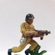 Figuras de Goma y PVC: SOLDADO AMERICANO . REALIZADO POR PECH . AÑOS 60. Lote 99370663