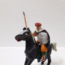 Figuras de Goma y PVC: MORO CON LANZA A CABALLO . REALIZADO POR JECSAN . SERIE BEN YUSUF . ORIGINAL AÑOS 60. Lote 99715643