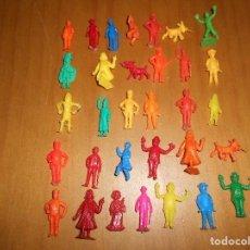 Figuras de Goma y PVC: COLECCION DE 32 FIGURAS TINTIN DUNKIN TITO PREMIUM ATEN AL PORTUGAL ??? ORIGINALES REGALO HERGÉ. Lote 99755847