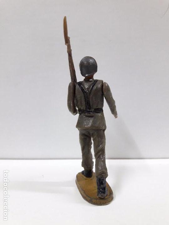 Figuras de Goma y PVC: SOLDADO ESPAÑOL EN DESFILE . REALIZADO POR TEIXIDO . AÑOS 60 - Foto 4 - 100418711