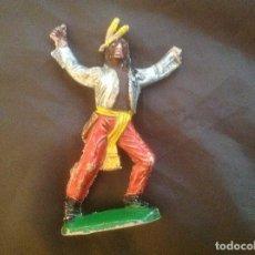 Figuras de Goma y PVC: INDIO DE PLÁSTICO ANTIGUO PARA RESTAURAR. Lote 100542339