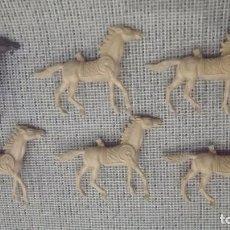 Figuras de Goma y PVC: LOTE CABALLOS INDIOS COMANSI AÑOS 70. Lote 100949811