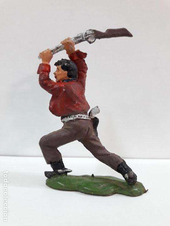 Figuras de Goma y PVC: VAQUERO - COWBOY ATACANDO CON EL RIFLE . FIGURA REAMSA Nº 61 . AÑOS 50 EN GOMA - Foto 2 - 101131231