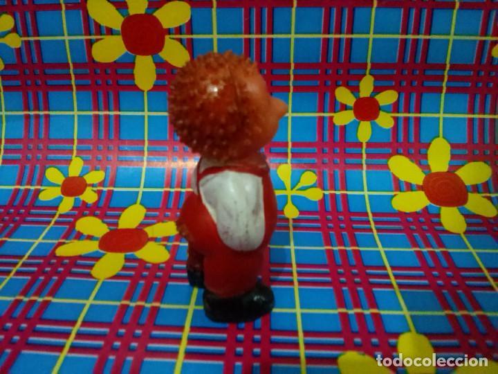 Figuras de Goma y PVC: Figura de goma *Hombre erizo*....años 1970/80. - Foto 4 - 101237787
