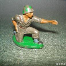 Figuras de Goma y PVC: SOLDADO. Lote 101252219