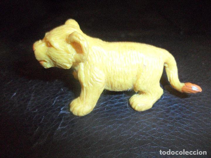 LEON - FIGURA PVC - MARCA: COMANSI (Juguetes - Figuras de Goma y Pvc - Comansi y Novolinea)
