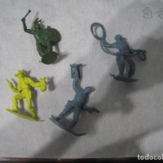 Figuras de Goma y PVC: MONTAPLEX-LOTE DE INDIOS Y VAQUEROS-AÑOS 70-80. Lote 101401643