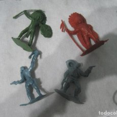 Figuras de Goma y PVC: MONTAPLEX-LOTE DE INDIOS Y VAQUEROS-AÑOS 70-80. Lote 101402139