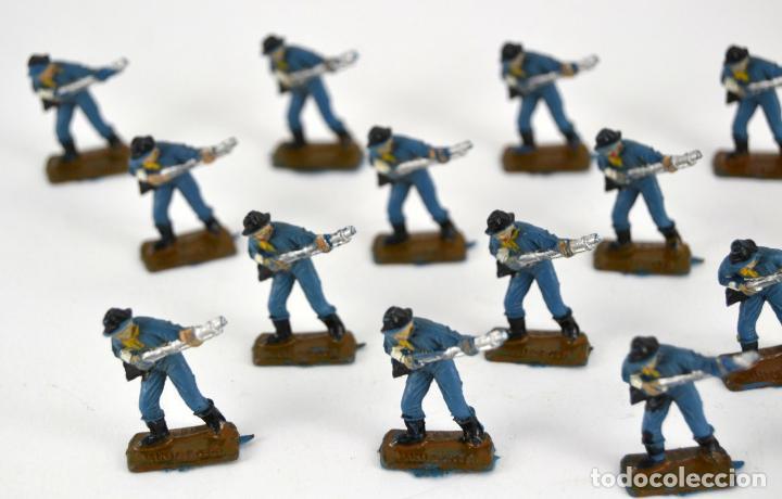 Figuras de Goma y PVC: Lote de 16 Soldados Federales / Mini Oeste Comansi - Foto 2 - 101483427