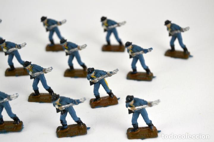 Figuras de Goma y PVC: Lote de 16 Soldados Federales / Mini Oeste Comansi - Foto 3 - 101483427