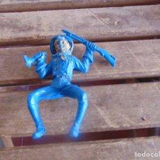 Figuras de Goma y PVC: FIGURA DE INDIO O SOLDADO DE LAFREDO O SIMILAR GRAN TAMAÑO. Lote 101491815