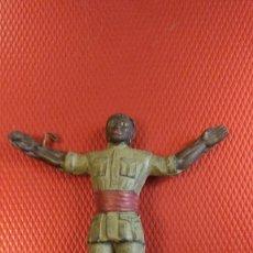 Figuras de Borracha e PVC: FIGURA DE GOMA DE NEGRO SAFARI ESPAÑOL ARCLA (AÑOS 50). UNOS 8 CM DE ALTO.. Lote 102184335