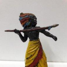 Figuras de Goma y PVC: GUERRERO KAKUANA . REALIZADO POR PECH . AÑOS 50 EN GOMA. Lote 102244411