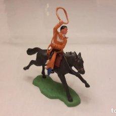 Figuras de Goma y PVC: BRITAINS. FIGURA DE VAQUERO A CABALLO. Lote 102408807