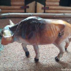 Figuras de Goma y PVC: ANTIGUA FIGURA EN GOMA DE PECH HERMANOS. BUEY. SERIE ANIMALES. AÑOS 50/60. MADE IN SPAIN.. Lote 103124683