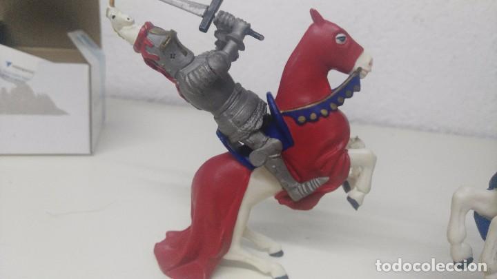 Figuras de Goma y PVC: antiguas figuras de medievales luchando caballeros - Foto 3 - 103323595