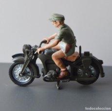 Figuras de Goma y PVC: MOTO BMW CON SOLDADO - 2ª GUERRA MUNDIAL - BRITAINS - AÑOS 70. Lote 103482299