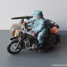 Figuras de Goma y PVC: MOTO BMW CON SIDECAR CON DOS SOLDADOS ALEMANES - BRITAINS AÑOS 70 - MADE IN ENGLAND . Lote 103483031