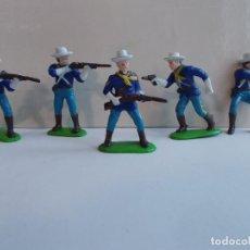 Figuras de Goma y PVC: PANINI WEST LOTE FIGURAS DE 7º CABALLERIA: 4 SOLDADOS DE A PIE + 1 JINETE EN GOMA.NO MINI OESTE.PTOY. Lote 103508359
