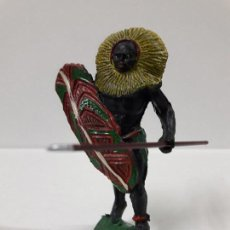 Figuras de Goma y PVC: GUERRERO AFRICANO NEGRO . REALIZADO POR ARCLA . AÑOS 50 EN GOMA. Lote 103607863