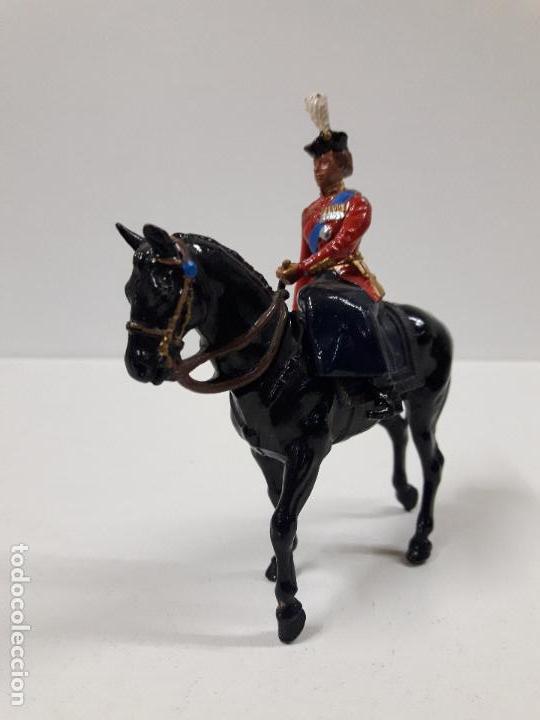 Figuras de Goma y PVC: DESFILE A CABALLO DE LA GUARDIA INGLESA CON DAMA . REALIZADO POR BRITAINS - Foto 2 - 103849719