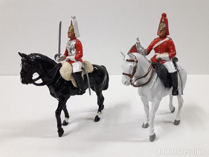 Figuras de Goma y PVC: DESFILE A CABALLO DE LA GUARDIA INGLESA CON DAMA . REALIZADO POR BRITAINS - Foto 6 - 103849719