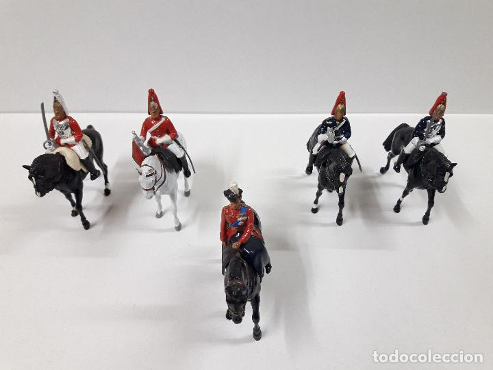 Figuras de Goma y PVC: DESFILE A CABALLO DE LA GUARDIA INGLESA CON DAMA . REALIZADO POR BRITAINS - Foto 8 - 103849719