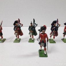 Figuras de Borracha e PVC: FIGURAS DEL DESFILE DE LA GUARDIA INGLESA - ESCOCESES . REALIZADAS POR BRITAINS. Lote 103850979