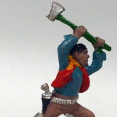 Figuras de Borracha e PVC: VAQUERO CON HACHA LAFREDO GOMA AÑOS 50. Lote 104058563