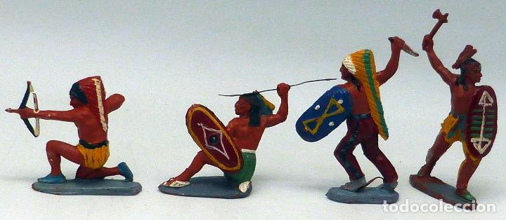 4 INDIOS CON ARMAS PECH GOMA MISMA SERIE AÑOS 50 (Juguetes - Figuras de Goma y Pvc - Pech)