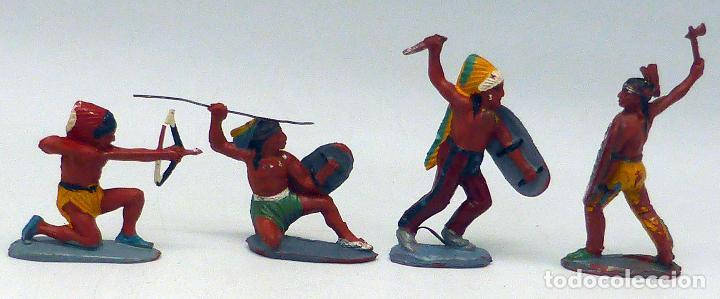 Figuras de Goma y PVC: 4 indios con armas Pech goma misma serie años 50 - Foto 2 - 104059755