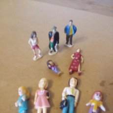 Figuras de Goma y PVC: MUÑECAS EN MINIATURAS. Lote 105244339