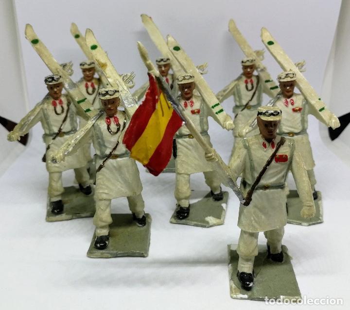 Figuras de Goma y PVC: ANTIGUAS 8 FIGURAS DE GOMA DE REAMSA GOMARSA SOLDIS - SERIE DESFILE TROPA DE MONTAÑA - AÑOS 60 - CAZ - Foto 4 - 204322827