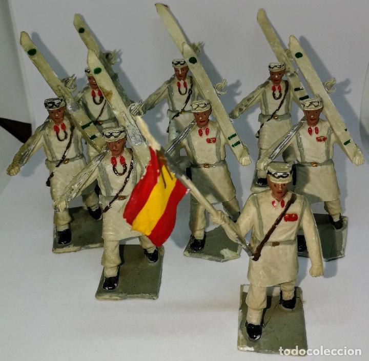 Figuras de Goma y PVC: ANTIGUAS 8 FIGURAS DE GOMA DE REAMSA GOMARSA SOLDIS - SERIE DESFILE TROPA DE MONTAÑA - AÑOS 60 - CAZ - Foto 6 - 204322827