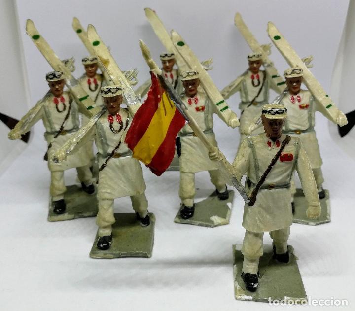 Figuras de Goma y PVC: ANTIGUAS 8 FIGURAS DE GOMA DE REAMSA GOMARSA SOLDIS - SERIE DESFILE TROPA DE MONTAÑA - AÑOS 60 - CAZ - Foto 7 - 204322827
