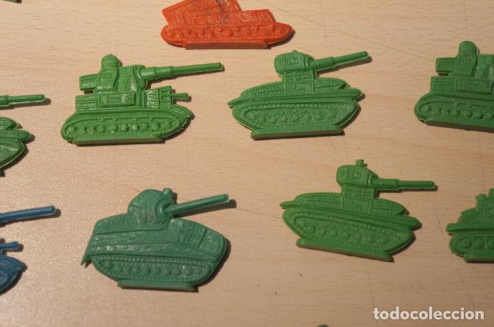 Figuras de Goma y PVC: LOTE DE 32 TANQUES MONTAPLEX - Foto 2 - 105622155