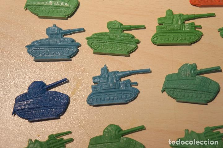 Figuras de Goma y PVC: LOTE DE 32 TANQUES MONTAPLEX - Foto 3 - 105622155