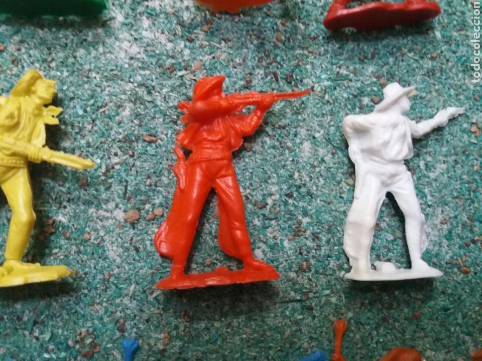 Figuras de Goma y PVC: Lote de Figuras del Oeste Gomarsa , Canal Pipero. Años 70/80. - Foto 7 - 105741263