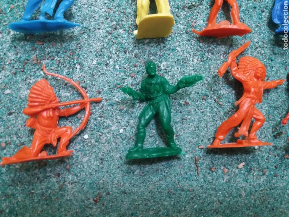Figuras de Goma y PVC: Lote de Figuras del Oeste Gomarsa , Canal Pipero. Años 70/80. - Foto 8 - 105741263