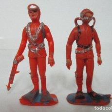 Figuras de Goma y PVC: 2 FIGURAS SUBMARINISTA - SERIE ACURAMA - MARCA JECSAN - PLÁSTICO - ORIGINAL - AÑOS 60. Lote 105872131