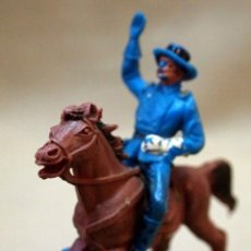 Figuras de Goma y PVC: FIGURA DE PLASTICO, OFICIAL A CABALLO, SEPTIMO, YANKE, FABRICADO POR JECSAN. Lote 105886691