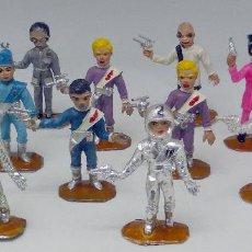 Figuras de Goma y PVC: 14 FIGURAS THUNDERBIRD COMANSI SERIE TV CAJA EL ALUNIZAJE PLÁSTICO AÑOS 60. Lote 105903851
